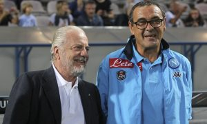 REGGIO NELL'EMILIA, ITALY - AUGUST 23:  SSC Napoli president Aurelio De Laurentiis and SSC Napoli coach Maurizio Sarri look on before the Serie A match between US Sassuolo Calcio and SSC Napoli at Mapei Stadium - Città del Tricolore on August 23, 2015 in Reggio nell'Emilia, Italy.  (Photo by Marco Luzzani/Getty Images)