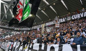 Juventus' supporters during Italian Serie A soccer match Fc Juventus-Cfc Genoa at the Juventus Stadium in Turin, 27 October 2013. ANSA/ANDREA DI MARCO.
