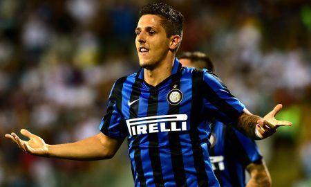 Inter Milan's midfielder from Montenegro Stevan Jovetic celebrates after scoring a goal during the Italian Serie A football match Carpi Vs Inter Milan at the Alberto Braglia Stadium in Modena on August 30, 2015. AFP PHOTO / GIUSEPPE CACACE        (Photo credit should read GIUSEPPE CACACE/AFP/Getty Images)