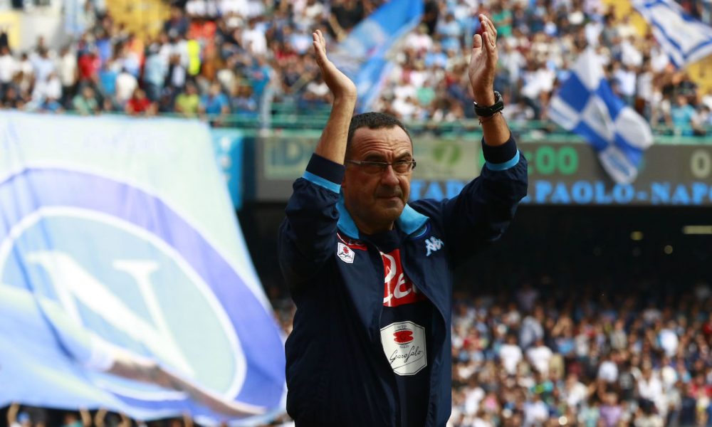 Napoli's Italian coach Maurizio Sarri greets fans before the Italian Serie A football match SSC Napoli vs ACF Fiorentina on October 18, 2015 at the San Paolo stadium in Naples. AFP PHOTO / CARLO HERMANN