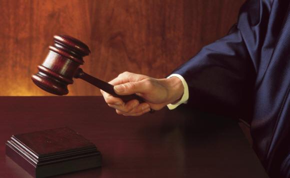1443503918-0-marsala-processo-allavvocato-lentini-in-aula-anziano-picchiato-accuse-e-alta-tensione
