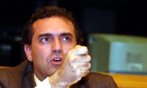 GRILLO BEPPE E DE MAGISTRIS LUIGI TENGONO UNA CONFERENZA STAMPA PRESSO IL PARLAMENTO EUROPEO A STRASBURGO PER PARLARE DELLO SPRECO E CATTIVO UTILIZZO DEI FONDI EUROPEI IN ITALIA E PER PROPORRE IL BLOCCO DELLO STAZIAMENTO DI QUESTI ULTIMI - GRILLO BEPPE E DE MAGISTRIS LUIGI TENGONO UNA CONFERENZA STAMPA PRESSO IL PARLAMENTO EUROPEO A STRASBURGO PER PARLARE DELLO SPRECO E CATTIVO UTILIZZO DEI FONDI EUROPEI IN ITALIA E PER PROPORRE IL BLOCCO DELLO STAZIAMENTO DI QUESTI ULTIMI   ag. FOTOGRAMMA ph. EUROCYCLOPE; luogo: STRASBOURG; data: 20071113     p.s. la foto è utilizzabile nel rispetto del contesto in cui è stata scattata, e senza intento diffamatorio del decoro delle persone rappresentate - Fotografo: FOTOGRAMMA