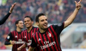 Ac Milan's midfielder Giacomo Bonaventura jubilates after scoring the goal  of 1 to 0 during the Italian serie A soccer match between Ac Milan and Pescara  at Giuseppe Meazza stadium in Milan, 30 October  2016.  ANSA / MATTEO BAZZI