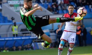 REGGIO NELL'EMILIA, ITALY - OCTOBER 16:  Gregoire Defrel  of US Sassuolo  in action during the Serie A match between US Sassuolo and FC Crotone at Mapei Stadium - Citta' del Tricolore on October 16, 2016 in Reggio nell'Emilia, Italy.  (Photo by Dino Panato/Getty Images)