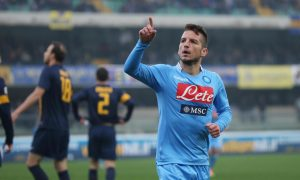 L'attacante del Napoli Dries Mertens durante la partita Hellas Verona- Napoli allo stadio Bentegodi, Verona, 12 gennaio 2014. Napoli's forward Dries Mertens celebrates after scoring during Serie A soccer match Hellas Verona-Napoli in Verona, Italy, 12 January 2014. ANSA/ FILIPPO VENEZIA