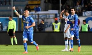 Empoli's forward Massimo Maccarone celebrates with his teammates after scoring during the Italian serie A soccer match between Empoli FC vs SSC Napoli at Carlo Castellani Stadium in Empoli, Italy, 30 April 2015 ANSA/CLAUDIO GIOVANNINI